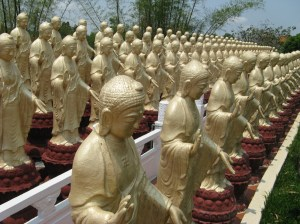 Diese buddhistische Nonne führte uns durch die Klosteranlage Fo Guang Shan.